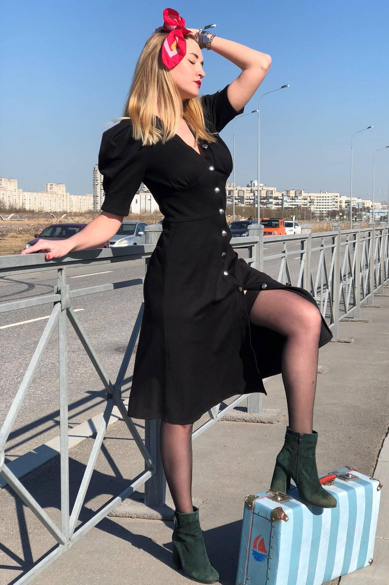 Выкройка платья с вытачкой-подрезом со сборкой под грудью: купить и скачать
